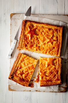 Prue Leith's flat smoked salmon pie can be assembled the day before your party. Just remember to de-glaze with egg prior to baking. Pie Recipes, Dessert Recipes, Desserts, Salmon Pie, Prue Leith, Sticky Toffee, Xmas Food, Smoked Salmon, Trifle