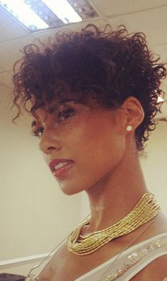 Alicia Keys:Jazzin' Up Bedhead Hair Short Curls, Short Hair Cuts, Alicia Keys Short Hair, Short Hairstyles For Women, Cool Hairstyles, Tapered Hairstyles, Short Natural Curly Hair, Curly Pixie, Curly Short
