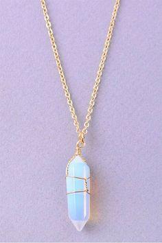 Cute Jewelry, Jewelry Accessories, Women Jewelry, Fashion Jewelry, Jewelry Design, Jewelry Trends, Stylish Jewelry, Gemstone Necklace, Crystal Necklace