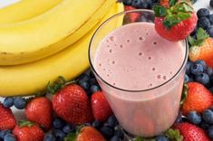 Healthy Breakfast Smoothies for weight loss. Use breakfast smoothie recipes, weight loss smoothies and breakfast shakes for fast mornings or smoothie diets. Fruit Smoothies, Breakfast Smoothies, Healthy Breakfast Recipes, Healthy Smoothies, Healthy Drinks, Healthy Snacks, Breakfast Options, Breakfast Fruit, Homemade Smoothies
