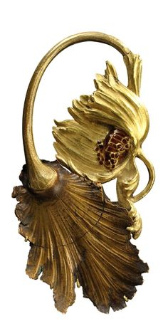 Lalique 1900 Dying Poppy Brooch: yellow gold, enamel