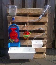 Verticale watertafel waterwalls - The Best Outdoor Play Area Ideas Outdoor Play Spaces, Kids Outdoor Play, Kids Play Area, Backyard For Kids, Diy For Kids, Garden Kids, Backyard Ideas, Fence Ideas, Childrens Play Area Garden
