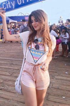 7 looks criativos para usar com t-shirt Moda Tá na Moda