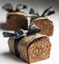 Traditional Finnish bread with rye, buttermilk, syrup and malt / Helppo saaristolaisleipä, resepti – Ruoka. Finland Food, Gourmet Recipes, Snack Recipes, Finnish Recipes, Bread Shop, Scandinavian Food, Our Daily Bread, Home Baking, Food Inspiration