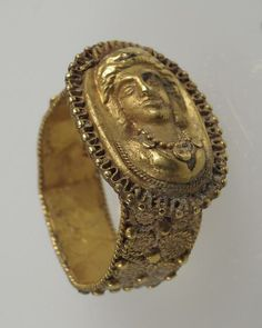 6th-7th century CE Roman gold finger ring