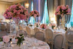 O decorador Milton Okamoto assinou decoração no palácio Cercle de l'Union Interalliée em Paris! Simplesmente deslumbrante. www.guianoivaonline.com.br Decoração: Milton Decorações #guianoiva #casamento #noiva #decoraçãocasamento #Paris