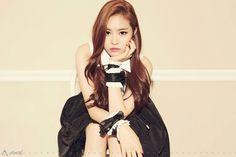 Who wore it better? Apinks Naeun vs Girls Generations Sunny