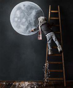 Draw - moon -  chalkboard - child - kind - krijt