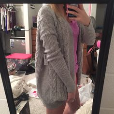 Gorgeous big knit sweater from old navy nwt New with tags! Old Navy Sweaters
