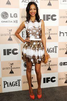 Zoe Saldana también hace suya la tendencia con este vestido de encaje y print animal de Dolce & Gabbana.
