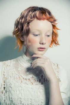 Bobs are trendy, short bob hairstyles are much more trendy! In this post you will find images of Super Short Bob Cuts that you will immediately adore! Creative Hairstyles, Trendy Hairstyles, Bob Hairstyles, Pixie Haircuts, Hair Inspo, Hair Inspiration, Fotografie Portraits, Natural Hair Styles, Short Hair Styles