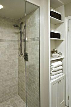 Fresh small master bathroom remodel ideas on a budget (15) #bathroomremodeling #masterbathroomremodeling #RemodelingIdeas