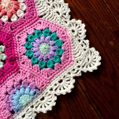Crochet Treble Scallop Edging with Free Pattern