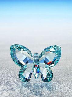 LIGHT AZORE crystal BUTTERFLY figurine by Swarovski Figurines
