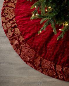 "New Holiday Lane  Silver Crushed Velvet Tree Skirt Created for Macy/'s 56"" Dia"
