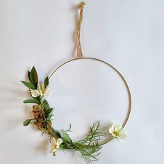 DIY Contemporary Wreath