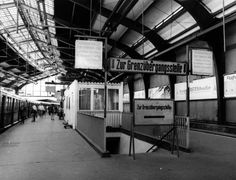 Bahnhof Friedrichstrasse 80er Jahre (links S-Bahn Richtung Westen)