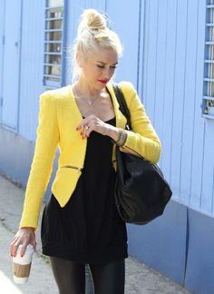 Gwen Stefani THE JACKET IS HOTT!!