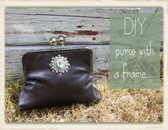 on my hunt for a tutorial on making a framed purse, I came across this little number...  great tutorial, lots of photos and helpful tips!