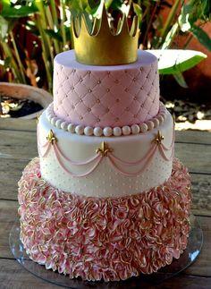 Tatiana Barros: princess - New Sites Sweet 16 Birthday Cake, 18th Birthday Cake, Beautiful Birthday Cakes, Birthday Cake Girls, Beautiful Cakes, Amazing Cakes, Princess First Birthday, Geek Birthday, Birthday Ideas