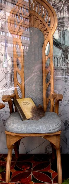 Now that's a high elf chair!