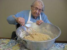 Almost 102-year-old Brainerd resident makes bread for Breath of Life residents   BrainerdDispatch.com   Brainerd, Minnesota
