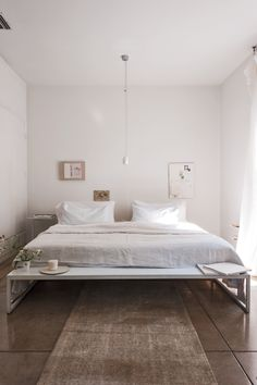 Struggling with a small space? Justine, who has lived in more than her fair share of tiny places, offers up some expert advice on how to make diminutive living quarters look and feel larger.
