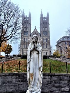 https://flic.kr/p/eDM3Fk | Church of Our Lady | The largest church in Guelph which sits atop a hill and can be seen from far away. A focal point to downtown.