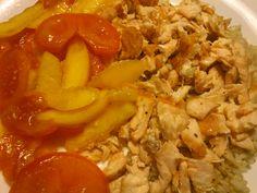 salada tomate+pêssego + arroz integral + salmão grelhado  :)