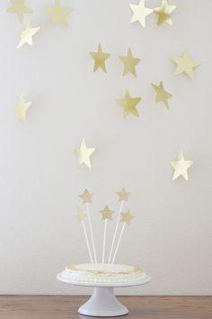 Party: Twinkle, Twinkle Little Star | Vanilla Cake (Mix from Trader Joes) + Homemade Vanilla Buttercream Icing | ashleeproffitt.com