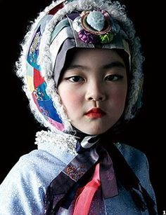 입고 싶은 우리 옷, 한복 燐 Korean Hanbok, Korean Dress, Korean Outfits, Korean Traditional Dress, Traditional Dresses, Korean Painting, Artwork Images, Korean Art, Human Art