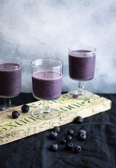 """Heath Nutrition Mind The Purple Aubergine Blueberries and banana smoothie  Join Today """"Most people don't know that heartache smells like blueberries."""" and keep you picking till the bush is bare."""" Recipe Method Nutritional Value Breakfast blueberries and banana smoothie Blueberries and banana smoothie An easy breakfast recipe that will boost your brain and body. Ready for a new day and new adventure. #banana #blueberries Spinach Smoothie Recipes, Chia Seed Smoothie, Healthy Fruit Smoothies, Fruit Smoothie Recipes, Apple Smoothies, Healthy Fruits, Healthy Drinks, Healthy Food, Smoothie Bar"""