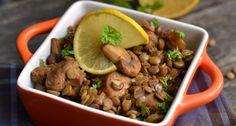 Gombás lencsesaláta recept: Akár önmagában, akár főételek mellé remek kísérő ez a gombás lencsesaláta, ráadásul egészséges is. Kiváló recept, próbáld ki te is! ;) Nespresso Recipes, A Table, My Recipes, Meal Prep, Vegetarian Recipes, Salads, Clean Eating, Beans, Lunch Box