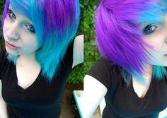 bright turquoise and violet purple hair. you could do this with manic panic atomic turquoise and purple haze mixed with bit of ultra violet Short Scene Hair, Emo Scene Hair, Scene Bangs, Bright Hair Colors, Hair Colours, Bright Purple, Teal Blue, Color Blue, Aqua