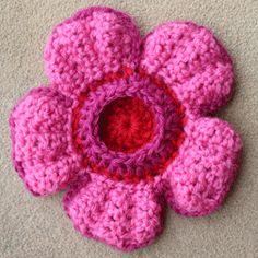Crocheted Rafflesia Flower Tutorial ༺✿ƬⱤღ  http://www.pinterest.com/teretegui/✿༻