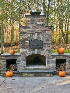 Brick Oven and Kitchen Inspiration Whether you're looking to get an outdoor combo fireplace and pizza oven, a brick fireplace, or a full outdoor kitchen we have inspiration for you! Brick Oven Outdoor, Outdoor Fireplace Patio, Outside Fireplace, Outdoor Fireplace Designs, Outdoor Kitchen Bars, Pizza Oven Outdoor, Outdoor Kitchen Design, Outdoor Fireplaces, Outdoor Kitchens
