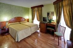 Hotel Suizo Barcelona Catalonia, Hotel Reviews, Trip Advisor, Bed, Furniture, Home Decor, Hotel Bedrooms, Fotografia, Photo Illustration