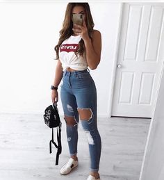 30 Jeans Tendance Qui Vont Vous Faire Craquer 30 Trendy Jeans That Will Make You Crack Teen Fashion Outfits, Mode Outfits, Fashion Ideas, Jeans Fashion, Womens Fashion, Fashion Fashion, Fashion Spring, Chic Outfits, Fashion Clothes