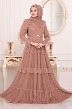 Evening Dresses - Neva-style.com Hijab Evening Dress, Hijab Dress, Evening Dresses, Long Dresses, Arabic Baby Girl Names, Biscuit Color, Black Hijab, Mink Colour, Powder Pink