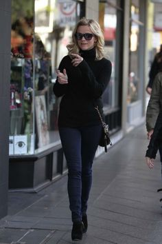 Reese Witherspoon--simple and cozy casual