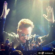 #Repost @kmbauer_ ・・・ #U2 #Dreamfest #Dreamforce - Regardez cette photo Instagram de @u2news • 1,410 mentions J'aime