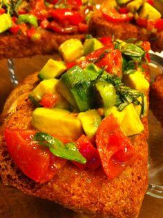 Brushetta whit Avakado salats