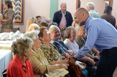 """Buzzi participó del Centenario de la Capilla Seion de Esquel http://www.ambitosur.com.ar/buzzi-participo-del-centenario-de-la-capilla-seion-de-esquel/ En el sesquicentenario de la llegada de los colonos a la Patagonia, una de las 18 capillas galesas que aún se conservan en la provincia cumplió 100 años. El Gobernador comprometió un aporte de $1,1 millones para ampliar el establecimiento de enseñanza de la lengua galesa. """"El compromiso de este"""