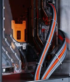 There are clean looking case mods and then there are next-level clean looking PC case mods. Justin Chu's case fits into the latter category. While browsing around on Facebook we came across this PC Case mod and we just knew it had to be a feature. What helps this case mod raise to the top …