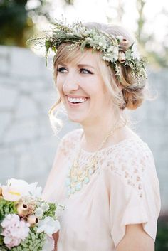 15 Ways to Wear Flowers in Your Hair at a Wedding /
