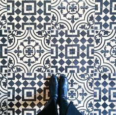 Crazy for this Cuban tile floor pattern!