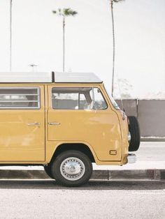 Giclee Print: Modern Yellow Van by Tanya Shumkina : 16x12in