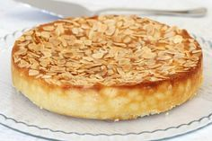 This Thermomix Gluten-Free Lemon, Ricotta & Almond Cake is all kinds of delicious! Oh and it's super simple too! The perfect afternoon treat or decadent dessert. Gluten Free Treats, Gluten Free Cakes, Gluten Free Baking, Gluten Free Desserts, Gluten Free Recipes, Dessert Recipes, Gluten Free Almond Cake, Cake Recipes, Lemon Recipes