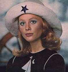 1971. Revlon