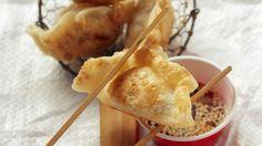 Tortellini auf asiatisch: Nudeltaschen nach chinesischer Art   http://eatsmarter.de/rezepte/nudeltaschen-nach-chinesischer-art